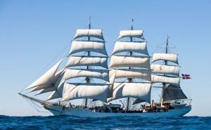 Skoleskibet Danmark anløber Helsingør Helsingør