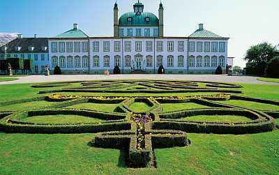 fredensborg Castle Elsinore cruise port Denmark