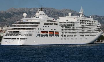 Krydstogtskibet Silve Spirit anløber Helsingør